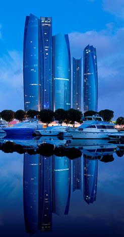 Nicht nur in der Abendsonne ein echter Hingucker: das Jumeirah at Etihad Towers.