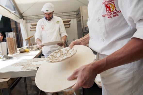 Das berühmte Schüttelbrot ist eine der Spezialitäten, die beim Genussfestival probiert werden können. (Foto Alex F)