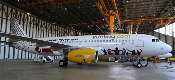Pepsi sponsert die Installation der Anschlüsse an Bord und wird damit zu einem strategischen kommerziellen Partner von Vueling.