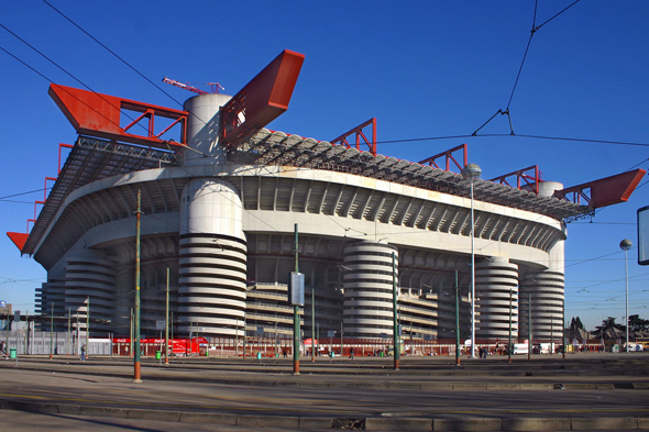 Mailands berühmter Fußballtempel: das Stadio Giuseppe Meazza. (Foto Stephan Wengelinski/Pixelio)