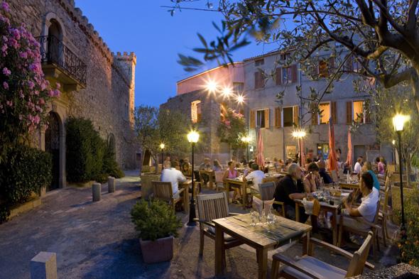 Auf Korsika lässt sich speisen wie Gott in Frankreich. (Foto Office Municipal de Tourisme)