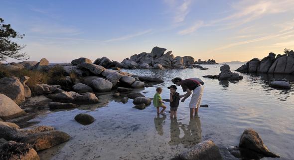 Korsika erweist sich auch als Badeparadies für Groß und Klein. (Foto Office Municipal de Tourisme)