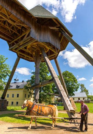 Mit dem Pferdegöpel in Marienberg wird Bergbaugeschichte lebendig. Die Förderanlage wurde im 19. Jahrhundert ursprünglich von Pferden angetrieben. (Foto B. Maerz)