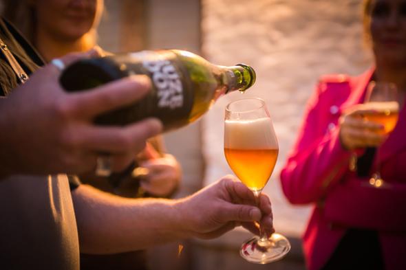 Im belgischen Antwerpen präsentieren Ende Juni insgesamt 32 Brauereien rund 200 Biersorten im Rahmen des Bierpassion-Weekends.  (Foto Flandern Tourismus)