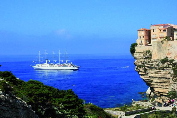 Malerischer Ausblick vom Point de Vue Rare auf Bonifacio. (Foto Christophe Blanc)