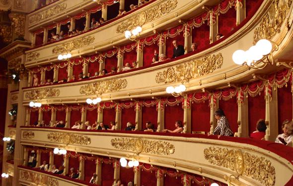 Stimmgewaltiger Musentempel in Mailand: die Scala, das berühmte Opernhaus. (Foto Amro/Fotolia)