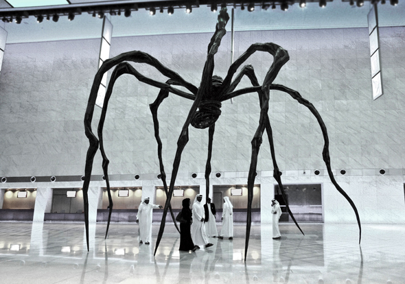 """""""Maman"""" von Louise Bourgeois besteht aus einer neun Meter hohen und zehn Meter breiten Spinne aus Bronze, Stahl und Marmor."""