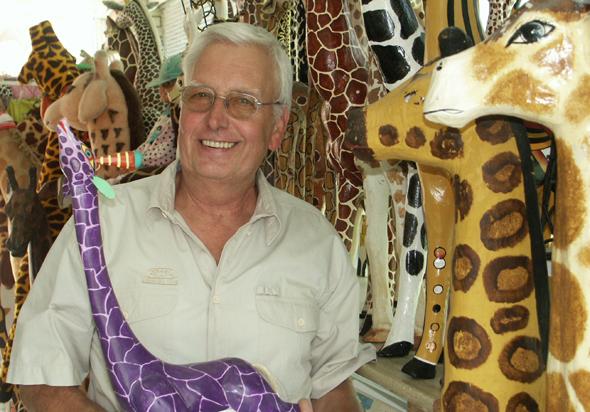 Der Dortmunder Heinz-Jürgen Preuß hat die größte Giraffen-Sammlung der Welt zusammengetragen. (Foto Karsten-Thilo Raab)
