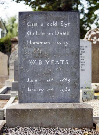 Yeats-Grab in Drumcliff ist zu einer Pilgerstätte von Literaturliebhabern geworden. (Foto Tourism Ireland)
