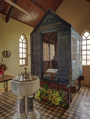 """Nomen est omen: """"Little Ark"""", die mobile Kirche, war den Bewohnern von Kilbaha die Rettung in der Not. (Foto Loop Head Tourism)"""