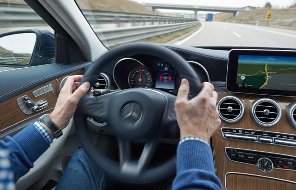 In vielen europäischen Ländern gelten besondere Vorschriften bei Geschwindigkeit und Promillegrenze vor allem für Fahranfänger. (Foto Uwe Rattay)