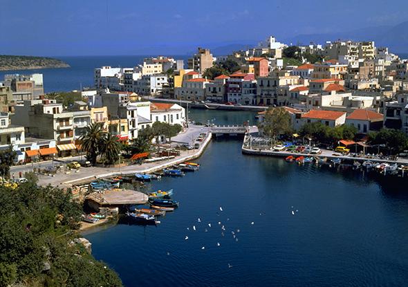 Ein echter Blickfang ist auf Kreta auch Agios Nikolaos.