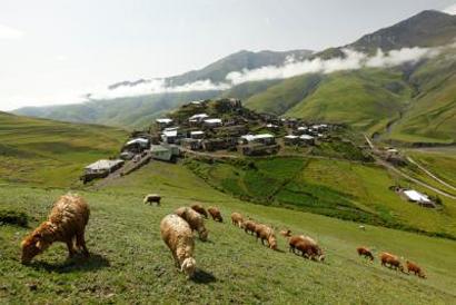 Schwer zugänglich, aber überaus lohnenswert: das Bergdorf Khinalig. (Foto Aserbaidschan Tourismus)