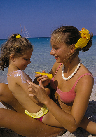 Intelligente Technik warnt Bikini-Trägerinnen rechtzeitig vor drohendem Sonnenbrand.