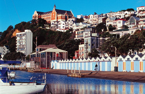 Ein echter Blickfang: die Hafenpromenade der Oriental Bay in Wellington. (Foto Wellington Tourism)