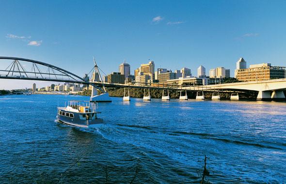 Der Brisbane River - hier in Höhe der Goodwill Bridge - ist eine der Hauptlebensadern in Brisbane.