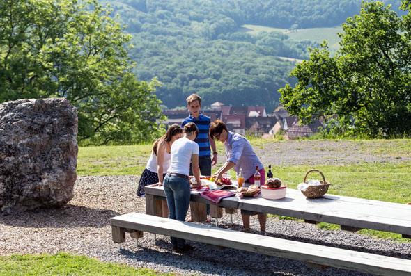 Ein gemütliches Picknick darf beim Wanderausflug im HeilbronnerLand nicht fehlen. (Foto Thomas Rathay)