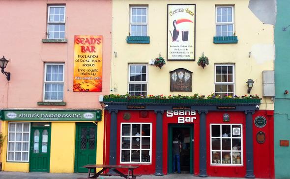 Kult: Sean's Bar in Athlone, wo seit dem Jahre 900 das Bier in Strömen fließt. (Foto Karsten-Thilo Raab)