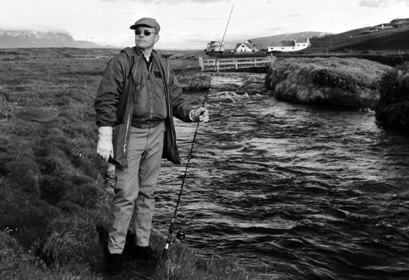 Auch Neil Armstrong bereitete sich in Island auf die Mondexpedition vor. Beim Fischen im Laxá Fluss fand er 1967 Entspannung. (Foto Sverrir Pálsson/Exploration Museum)