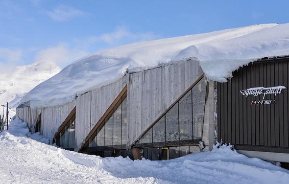 Die wohl bekannteste Hütte in Norwegens Bergwelt, die Sognefjellshytte aus dem Jahr 1947, erhält ein völlig neues Outfit.  (Foto Foto Kjell Nyøygard)