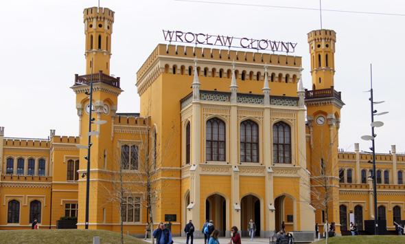 Wichtiger Verkehrsknotenpunkt: der Hauptbahnhof von Breslau. (Foto Klaus Klöppel)