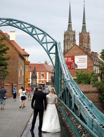 Beleibter Anlaufpunkt nicht nur für Hochzeitspaare: die Dominsel. (Foto Klaus Klöppel)
