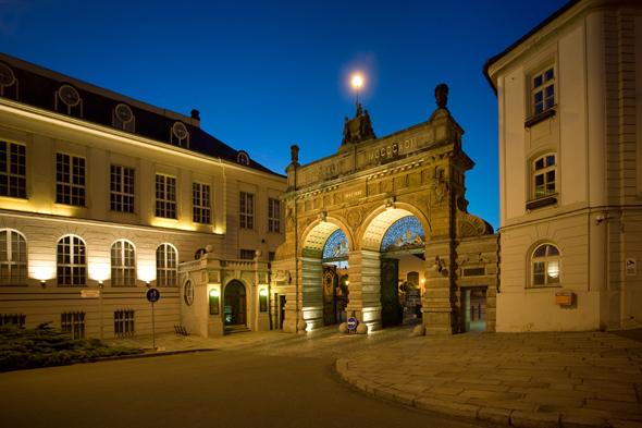 Überaus schmuck ist der Eingangsbereich zur Pilsener Urquell Brauerei.