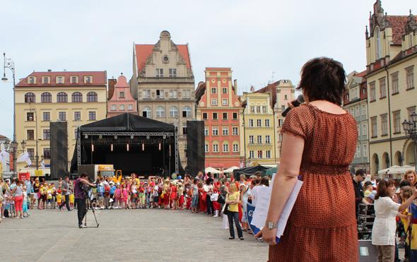 Schon jetzt gibt sich der Rynek während der Sommermonate in Feierlaune. (Foto Stadt Breslau)