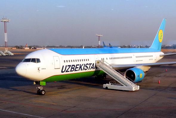 Uzbekistan Airways will seine Passagiere vor dem Betreten der Maschine verwiegen. (Foto Karsten-Thilo Raab)