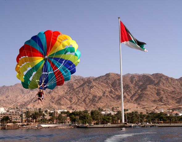 Der Golf von Aqaba markiert den kleinen Zugang, den Jordanien zum Roten Meer hat.