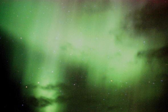 In den Northwest Territories ist der Himmel nicht selten woilkenfrei, was die Polarlichter noch prächtiger erscheinen lässt. (Foto F. Gopp/Pixelio)