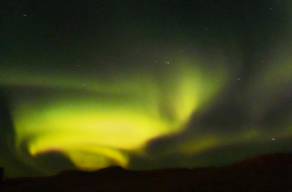 Die faszinierenden Nordlichter scheinen in verschiedenen Farben und sorgen immer wieder für Begeisterung. (Foto Urs Flükiger/Pixelio)