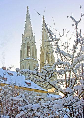 Die Kirche St. Peter und Paul ist das Wahrzeichen von Görlitz. (Foto: djd)