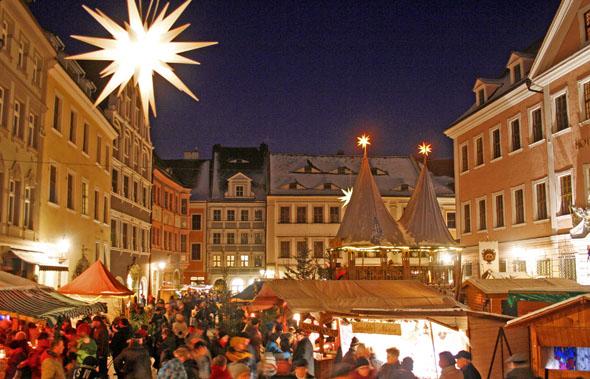 Der Görlitzer Christkindelmarkt verzaubert die ganze Stadt. (Foto: djd)