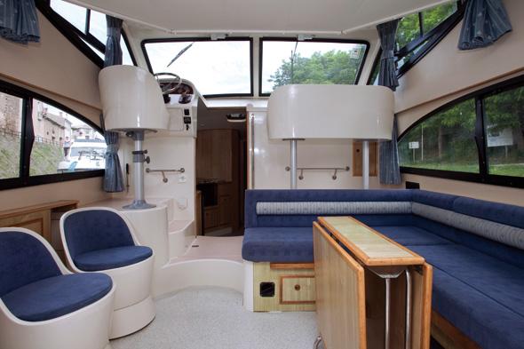 Die Hausboote der Caprice-Reihe bieten jede Menge Platz zum Entspannen und Genießen. (Foto Le Boat)