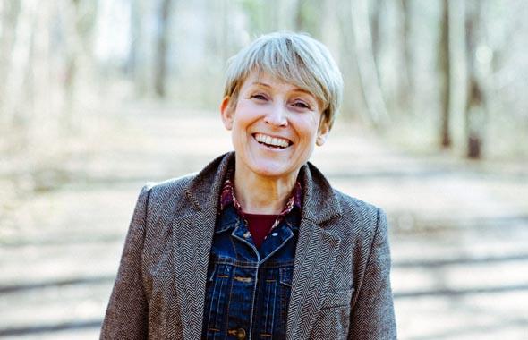 """Autorin Cathrin Moeller hat mit """"Wolfgang muss weg!"""" einen der unterhaltsamsten Titel des Bücherherbst vorgelegt."""