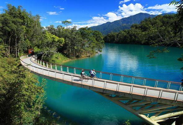 Ein taiwanesischer Radfahrtraum: die Route am Sonne-Mond-See. (Foto Taipei Tourism Office)