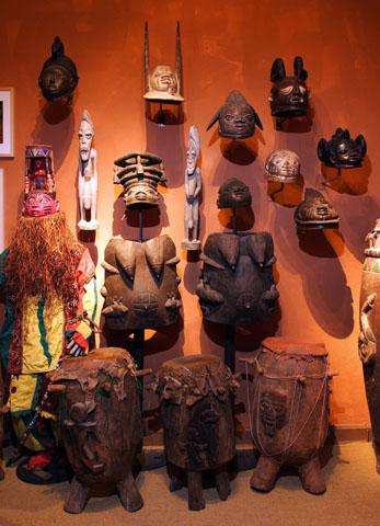 Im Soul of Africa Museum werden unter anderem afrikanische Altare, Masken, Skulpturen, Kultgewänder und rituelle Werkzeuge ausgestellt.