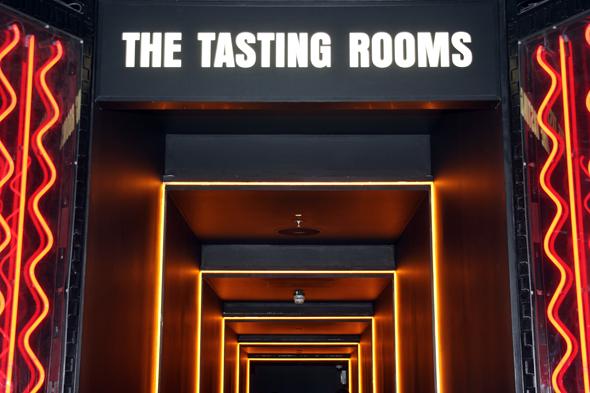 In den Tasting Rooms im Guinness Storehouse kann das Stout sowohl gerochen als auch getrunken werden.(Foto Karsten-Thilo Raab)