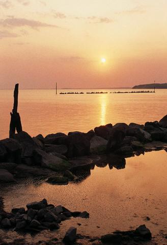 Sonnenuntergang am Jasmunder Bodden (Foto: Agentur Waterkant/TMV)