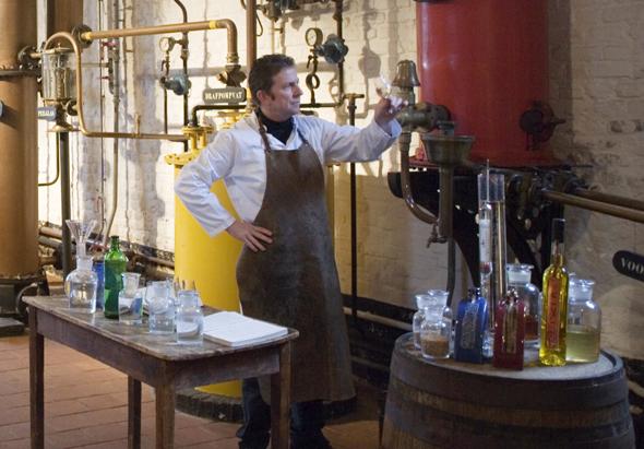 Das Jeneverfest im belgischen Hasselt widmet sich ganz dem Genuss und der Herstellung des Wacholderbrandes.