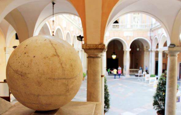 Zentral gelegenes Schmuckkästchen: der Palazzo Tursi in Genua. (Foto Karsten-Thilo Raab)