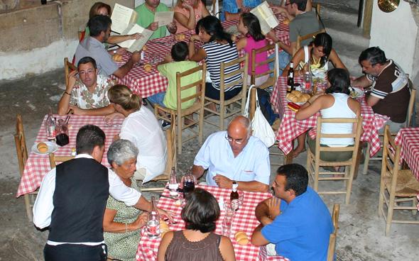 In den Restaurants in Bolivien soll künftig kein Salz mehr auf den Tischen stehen. (Foto Karsten-Thilo Raab)