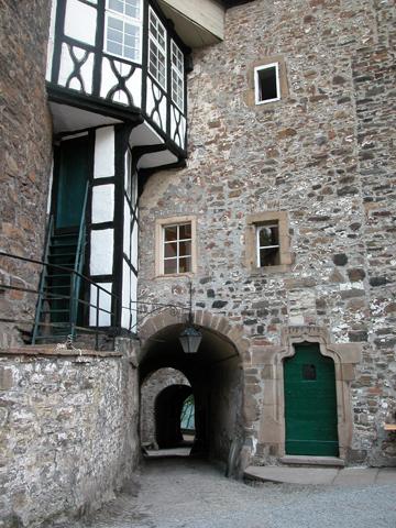 Verträumt und verwunschen: das Schloss Hohenlimbrug