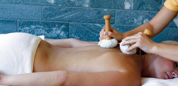 Für zusätzliche Entspannung sorgt das Wellness-Programm des Resorts.