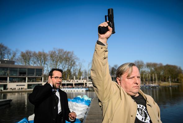 Warnschuss! Frank Thiel (Axel Prahl, r.) mit Professor Boerne (Jan Josef Liefers, l.). (Foto WDR/Willi Weber)
