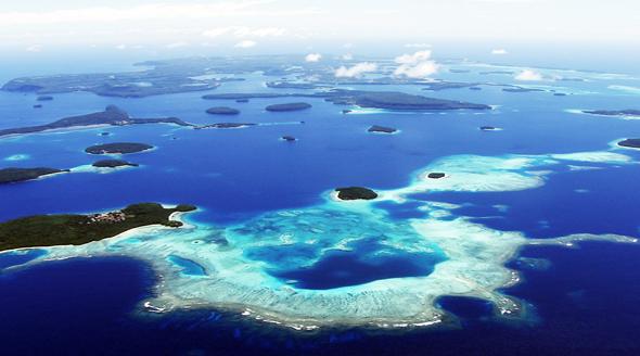 Das Inselreich Tonga fasziniert nicht nur aus der Vogelperspektive. (Fotos: DerTour, Jürgen Stawenow, Tonga Visitors Bureau)