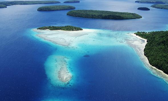 Wohl warm, endlose Weiten und einsame Insel sind in diesem Teil der Welt zu finden.