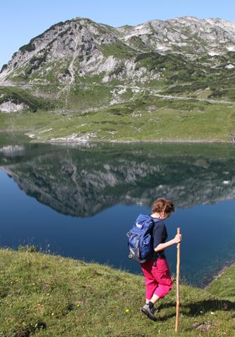 TRaimhaft gelegen und wunderbar wanderbar: der Formarinsee. (Foto Karsten-Thilo Raab)