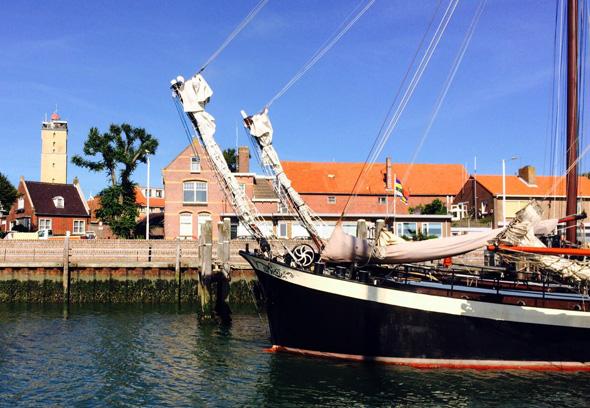Einlaufen in den Hafen von Terschelling. (Foto Ulrike Katrin Peters)